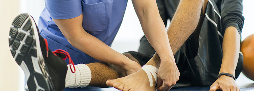 how to become a sports medicine nurse